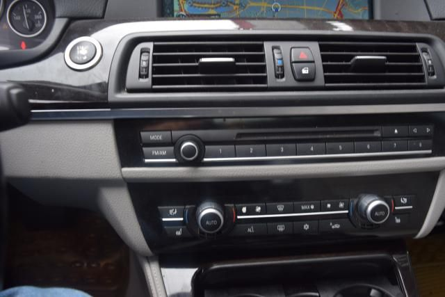 2011 BMW 550i xDrive 4dr Sdn 550i xDrive AWD Richmond Hill, New York 16