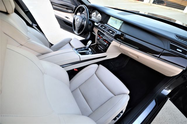 2011 BMW 750i ActiveHybrid Reseda, CA 34