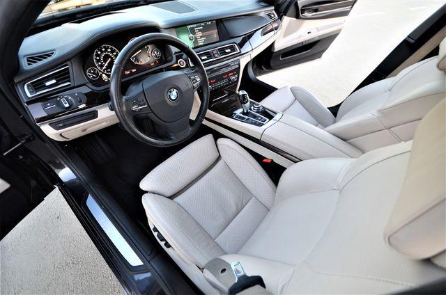 2011 BMW 750i ActiveHybrid Reseda, CA 38