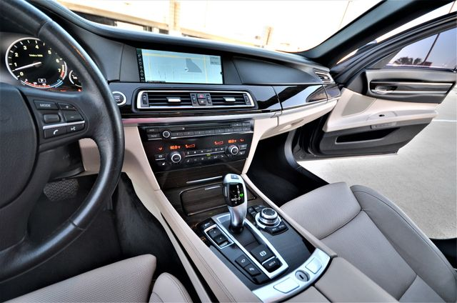 2011 BMW 750i ActiveHybrid Reseda, CA 40