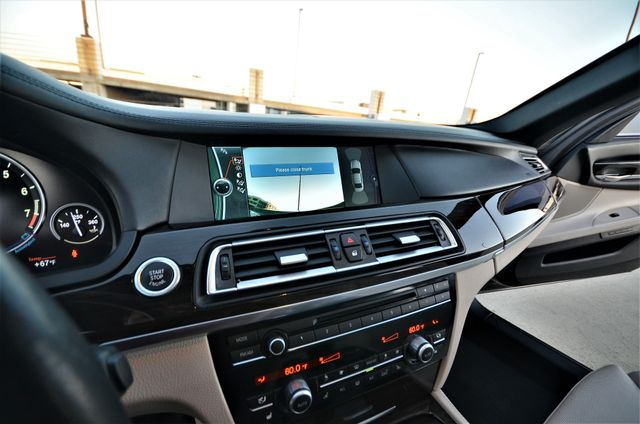 2011 BMW 750i ActiveHybrid Reseda, CA 41