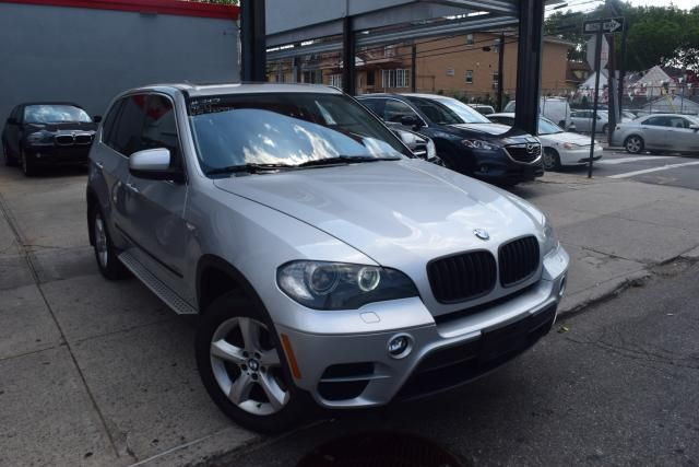 2011 BMW X5 xDrive50i 50i Richmond Hill, New York 1