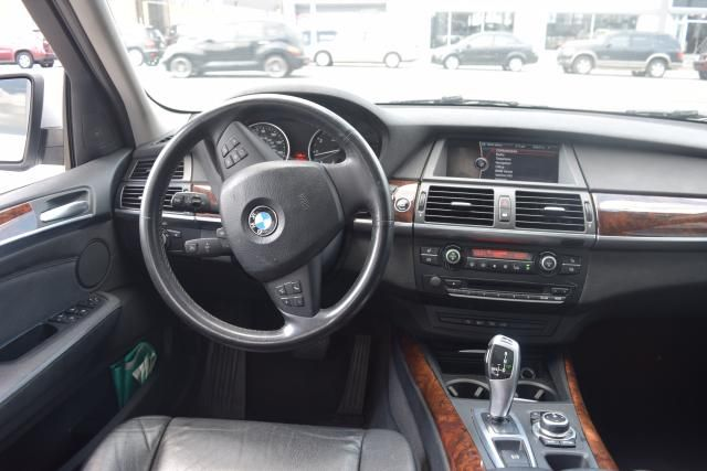 2011 BMW X5 xDrive50i 50i Richmond Hill, New York 9