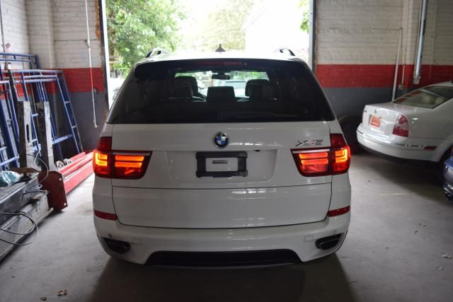 2011 BMW X5 xDrive50i 50i Richmond Hill, New York 3