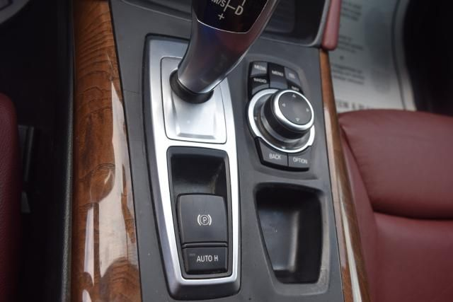 2011 BMW X6 xDrive50i 50i Richmond Hill, New York 22