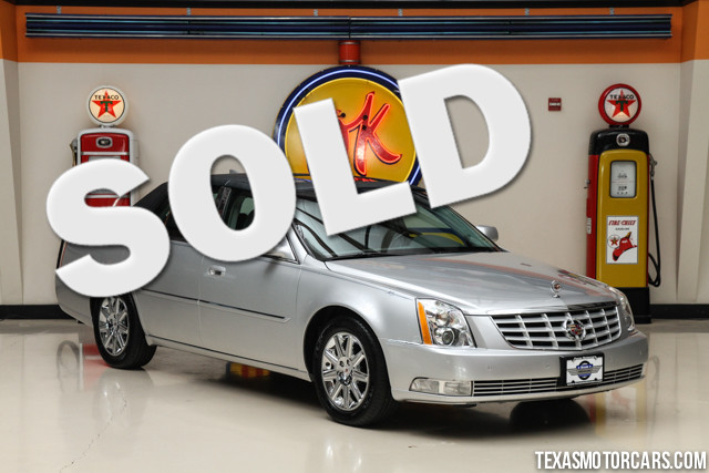 2011 Cadillac DTS Premium Collection This Clean Carfax 2011 Cadillac DTS Premium Collection is in g