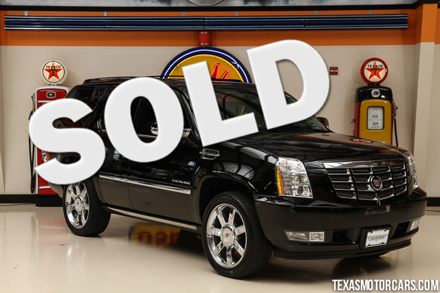 2011 Cadillac Escalade Premium This 2011 Cadillac Escalade Premium is in great shape with only 94
