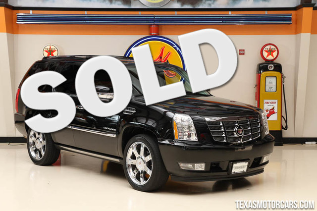 2011 Cadillac Escalade Premium This Clean Carfax 2011 Cadillac Escalade Premium is in great shape