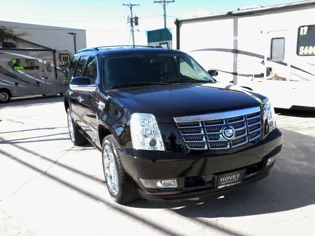 2011 Cadillac Escalade AWD Premium San Antonio, Texas 1