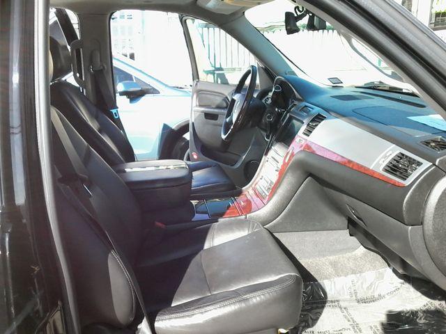 2011 Cadillac Escalade AWD Premium San Antonio, Texas 13