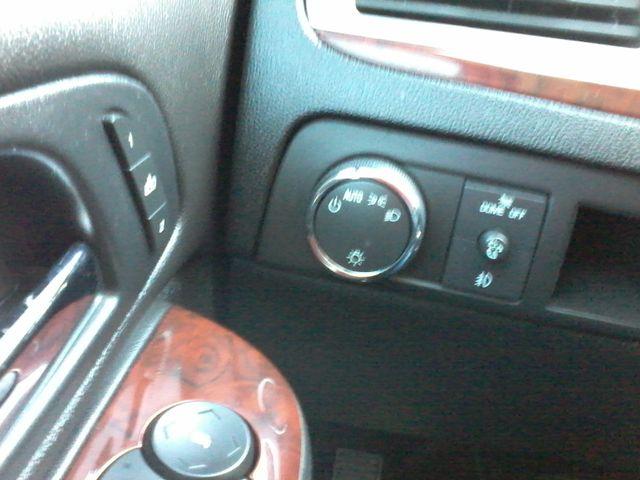 2011 Cadillac Escalade AWD Premium San Antonio, Texas 25