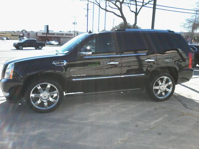 2011 Cadillac Escalade AWD Premium San Antonio, Texas 4