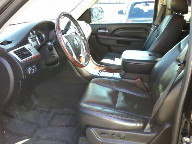 2011 Cadillac Escalade AWD Premium San Antonio, Texas 8
