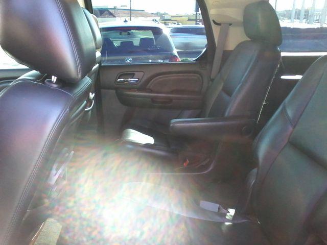 2011 Cadillac Escalade AWD Premium San Antonio, Texas 9