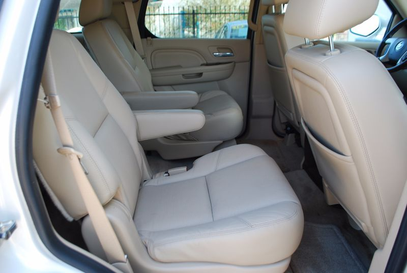 2011 Cadillac Escalade Luxury  Brownsville TX  English Motors  in Brownsville, TX