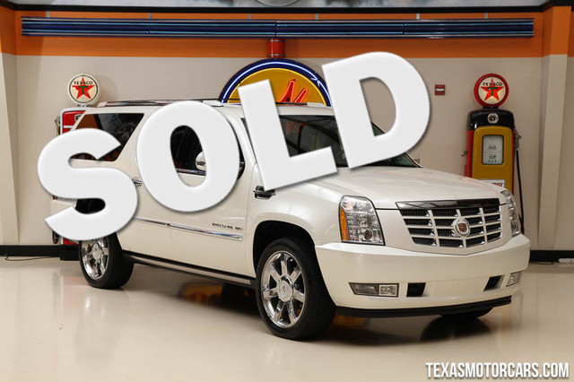 2011 Cadillac Escalade ESV Premium This clean Carfax 2011 Cadillac Escalade ESV Premium is in grea