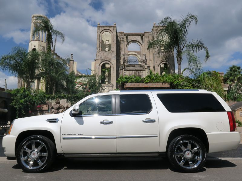 2011 Cadillac Escalade ESV Premium in Houston Texas