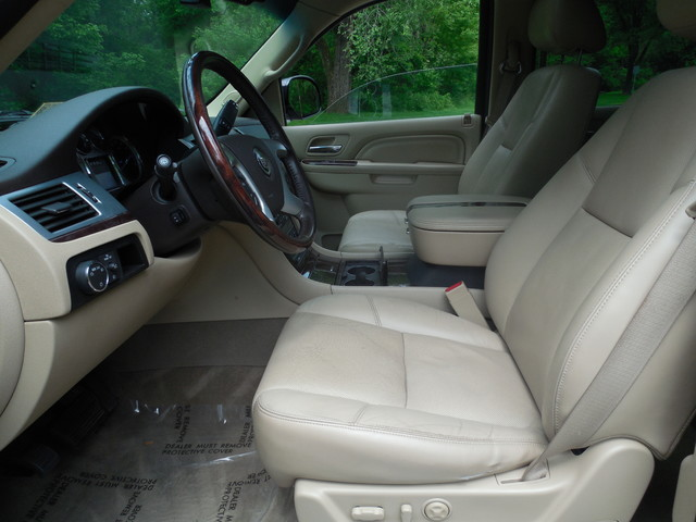 2011 Cadillac Escalade ESV Premium Leesburg, Virginia 14