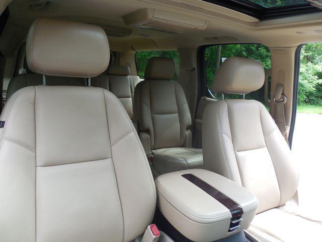 2011 Cadillac Escalade ESV Premium Leesburg, Virginia 9