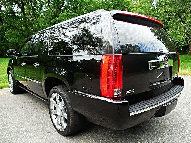 2011 Cadillac Escalade ESV Premium Leesburg, Virginia 2