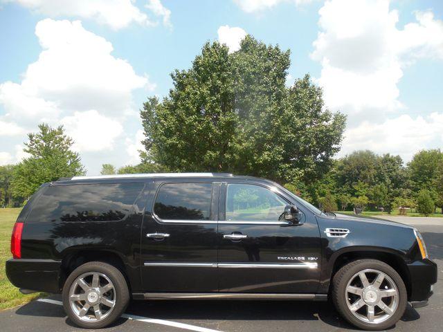 2011 Cadillac Escalade ESV Premium Leesburg, Virginia 4