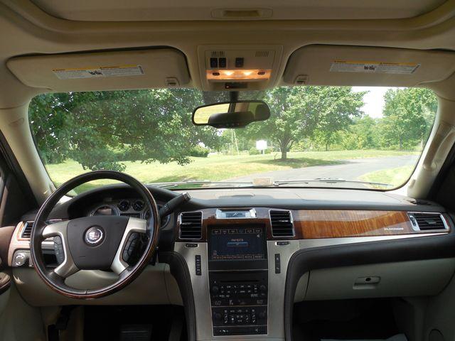 2011 Cadillac Escalade ESV Platinum Edition Leesburg, Virginia 21