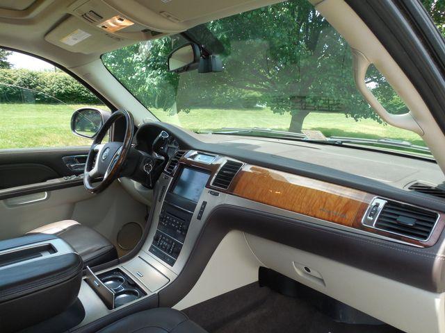 2011 Cadillac Escalade ESV Platinum Edition Leesburg, Virginia 7