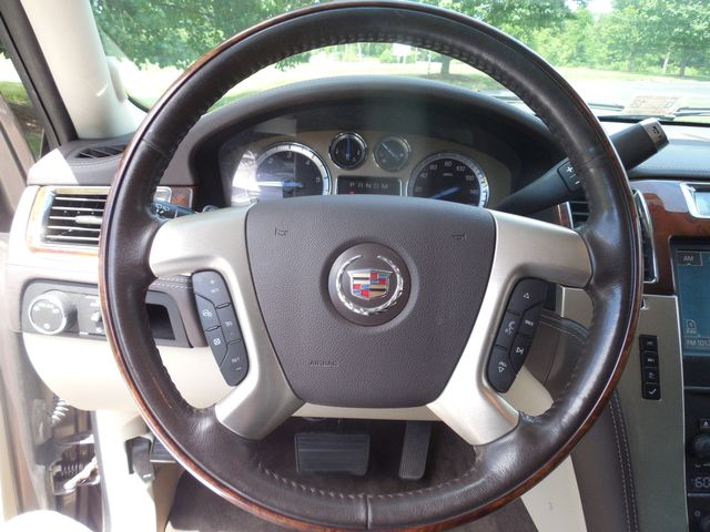 2011 Cadillac Escalade ESV Platinum Edition Leesburg, Virginia 22