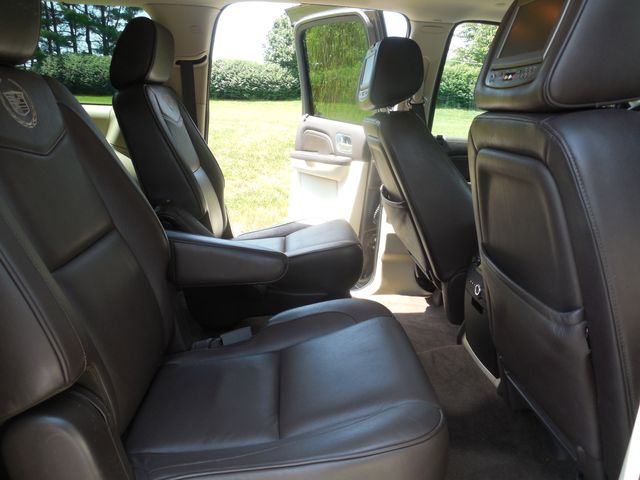 2011 Cadillac Escalade ESV Platinum Edition Leesburg, Virginia 10
