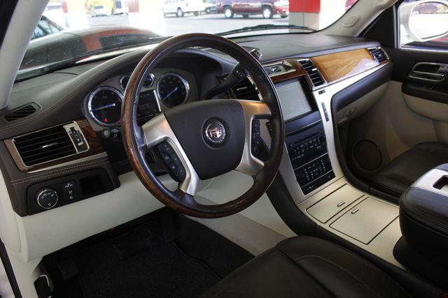 2011 Cadillac Escalade ESV Platinum Edition AWD - TOP OF THE LINE! Mooresville , NC 34