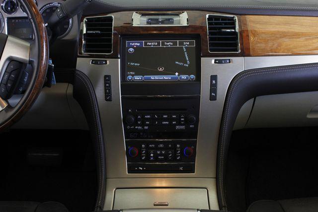 2011 Cadillac Escalade ESV Platinum Edition AWD - TOP OF THE LINE! Mooresville , NC 13
