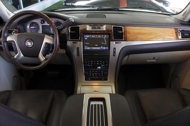 2011 Cadillac Escalade ESV Platinum Edition AWD - TOP OF THE LINE! Mooresville , NC 33