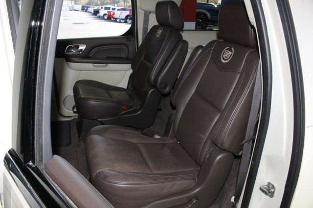 2011 Cadillac Escalade ESV Platinum Edition AWD - TOP OF THE LINE! Mooresville , NC 14