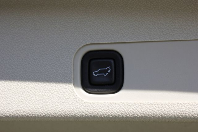 2011 Cadillac Escalade ESV Platinum Edition AWD - TOP OF THE LINE! Mooresville , NC 50