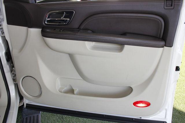 2011 Cadillac Escalade ESV Platinum Edition AWD - TOP OF THE LINE! Mooresville , NC 52