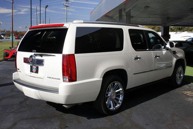 2011 Cadillac Escalade ESV Platinum Edition AWD - TOP OF THE LINE! Mooresville , NC 27