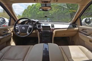 2011 Cadillac Escalade ESV Premium Naugatuck, Connecticut 10