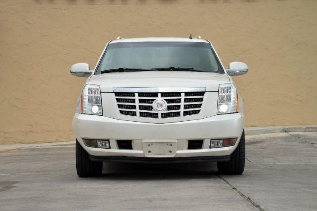 2011 Cadillac Escalade ESV Luxury San Antonio , Texas 3