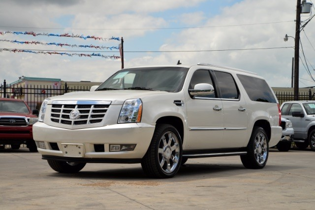 2011 Cadillac Escalade ESV Base San Antonio , Texas 1
