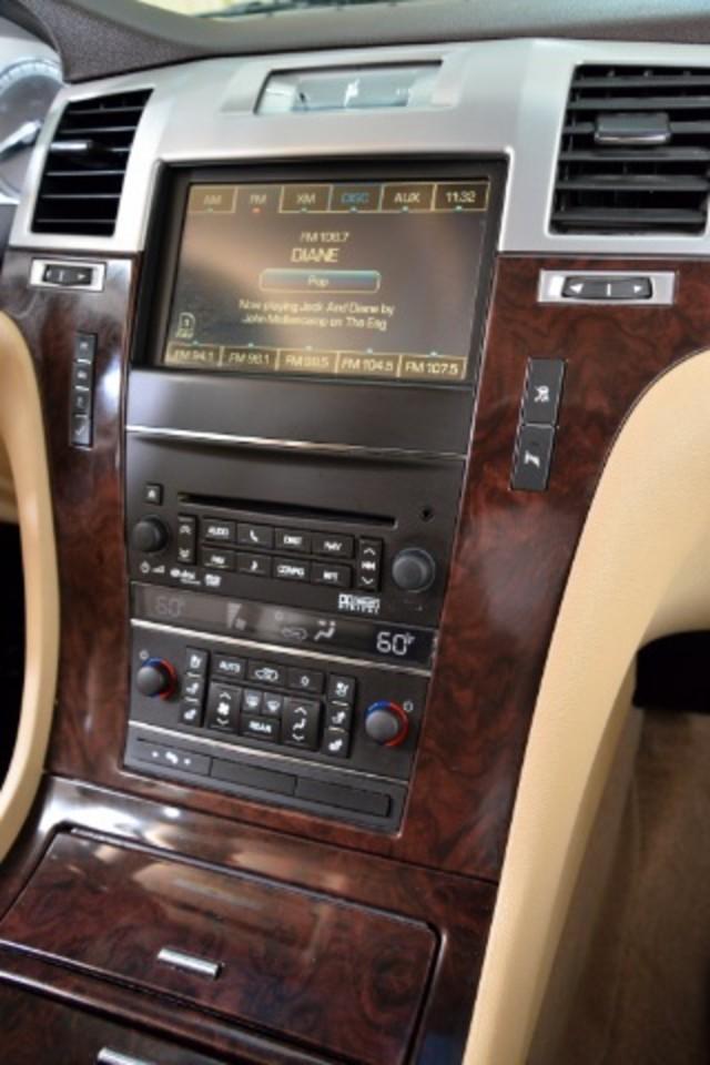 2011 Cadillac Escalade ESV Base San Antonio , Texas 11