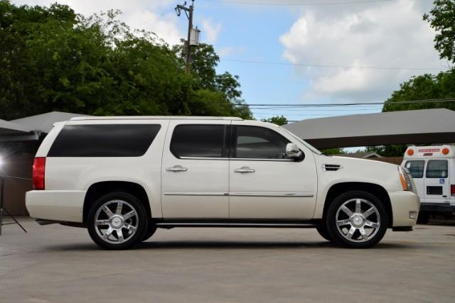2011 Cadillac Escalade ESV Base San Antonio , Texas 4