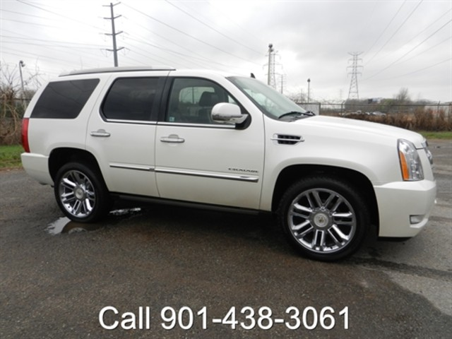 2011 Cadillac Escalade Platinum Edition in Memphis Tennessee