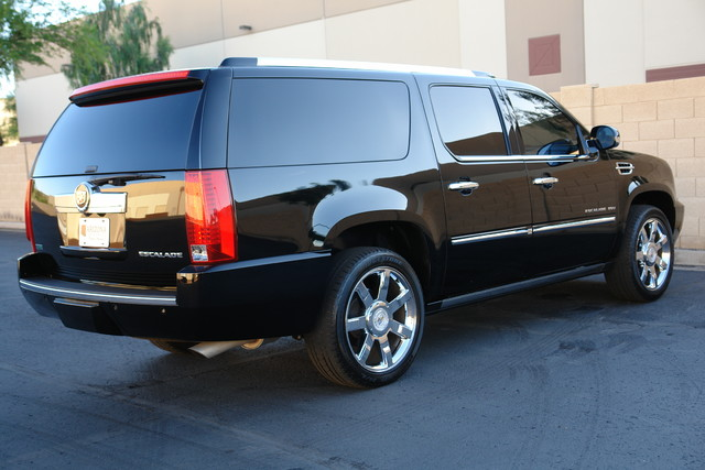 2011 Cadillac Escalade ESV Premium Phoenix, AZ 16
