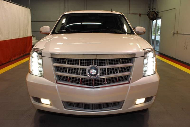 2011 Cadillac Escalade Platinum Edition  city Illinois  Ardmore Auto Sales  in West Chicago, Illinois