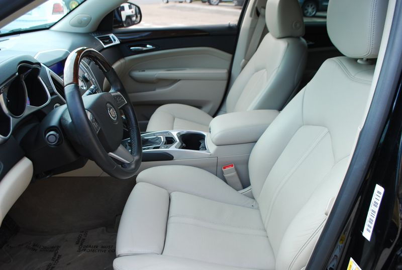 2011 Cadillac SRX Luxury Collection  Brownsville TX  English Motors  in Brownsville, TX