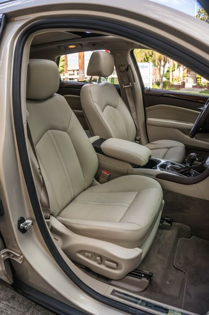 2011 Cadillac SRX Luxury Collection - NAVI - BOSE - HTD STS Reseda, CA 32