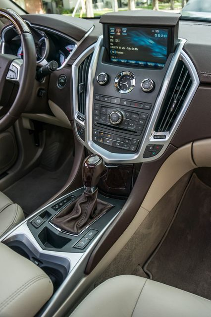 2011 Cadillac SRX Luxury Collection - NAVI - BOSE - HTD STS Reseda, CA 21