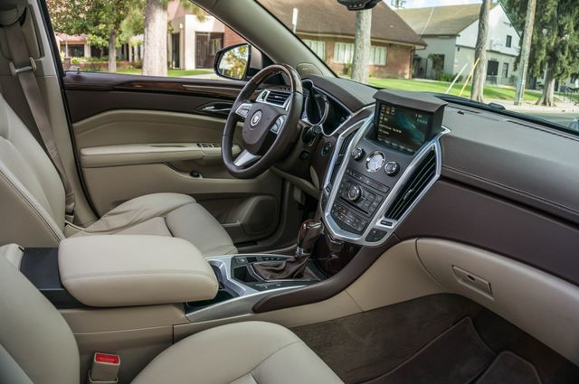 2011 Cadillac SRX Luxury Collection - NAVI - BOSE - HTD STS Reseda, CA 34