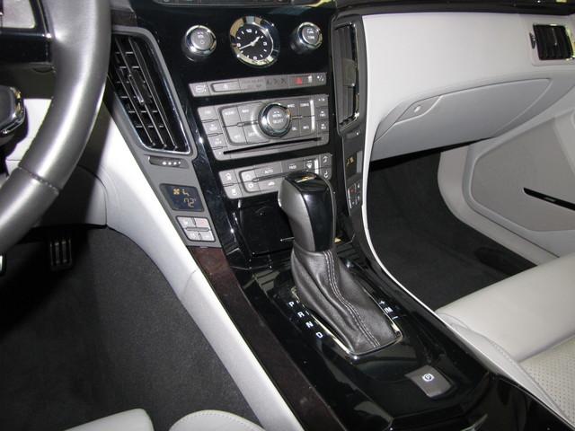 2011 Cadillac V-Series Jacksonville , FL 37