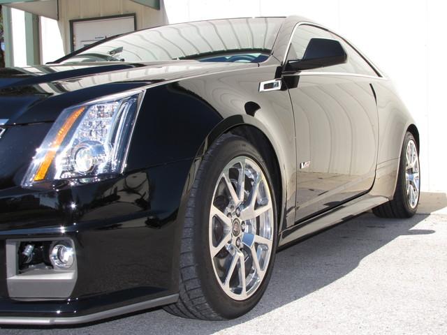 2011 Cadillac V-Series Jacksonville , FL 11
